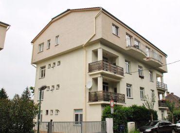 3-izbový byt s vyhradeným parkovaním, 5min. od centra