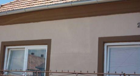 NOVÁ CENA!!Na predaj  rekonštruovaný 3-izb RD v obci Dvory Nad Žitavou.IHNEĎ BÝVAŤ!