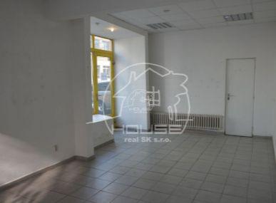 PREDAJ: obchodný nebytový priestor s výbornou dispozíciou BA I – Staré mesto, Mýtna ulica.