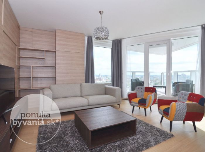 PRENAJATÉ - PANORAMA CITY, 3-i byt, 92 m2, úplne nový, komplet ZARIADENÝ byt s klimatizáciou a PARKOVACÍM MIESTOM