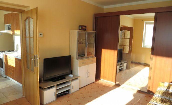 Best Real - bývanie v Rusovciach, 1-izbový byt s parkovacim miestom a záhradkou.