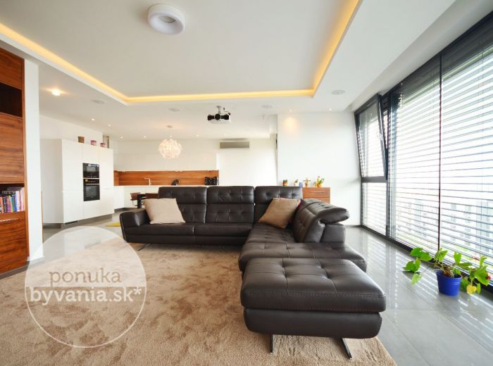 PREDANÉ - BELLOVA, 4-i byt, 347 m2 - LUXUSNÝ plne ZARIADENÝ byt na Kolibe, TERASA 165 m2, 2x garážové státie, KLIMATIZÁCIA, novostavba