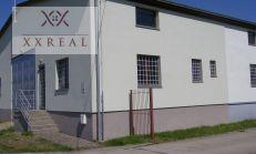 Prenájom dlhodobo murovaný sklad 606 m2 s rampou + kancelárie 100m2 v Šamoríne za výhodnú cenu 1470,-Eur