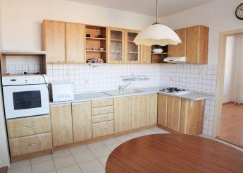 Priestranný 4i byt s loggiou na prenájom, Nitra - Klokočina
