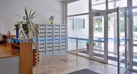 Kancelárie: 19,03 m2 – 129,38 m2, Bratislava – Kopčianska ulica, prenájom kancelárií vo výbornej časti Petržalky