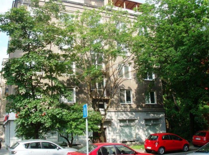 PREDANÉ - NIŤOVÁ, 2-i byt, 60 m2 – krásny TEHLOVÝ byt, IDEÁLNA DISPOZÍCIA, v tichej uličke pri Dulovom námestí