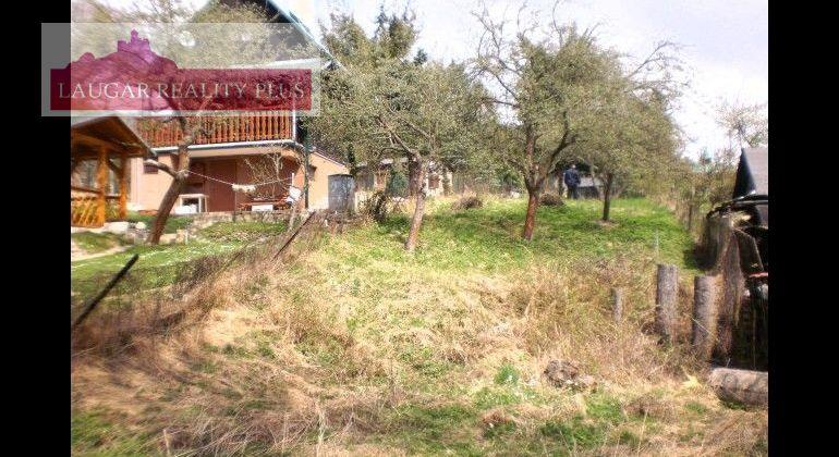 Pozemok, chatárska oblasť Mníchova Lehota - Húštik.