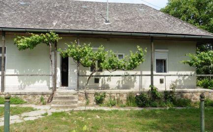 GEMINIBROKER Vám ponúka na predaj rodinný dom v obci Alsóregmec