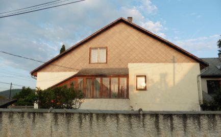 GEMINIBROKER Vám ponúka na predaj veľký dvojgeneračný dom v obci Gönc