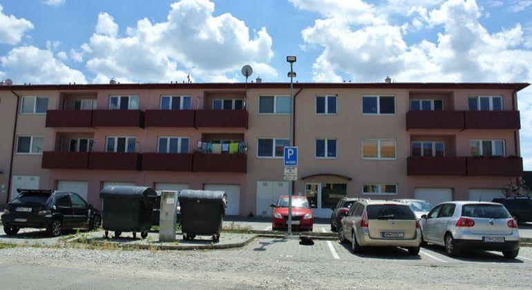 Ponúkame Vám na predaj 1 izbový byt Beckov+Garáž
