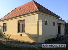 Predaj 2izb RD-tehla, úžit. 95m2 rekonštr. 2008-nová strecha, okná, elektrina. Pozemok 800m2