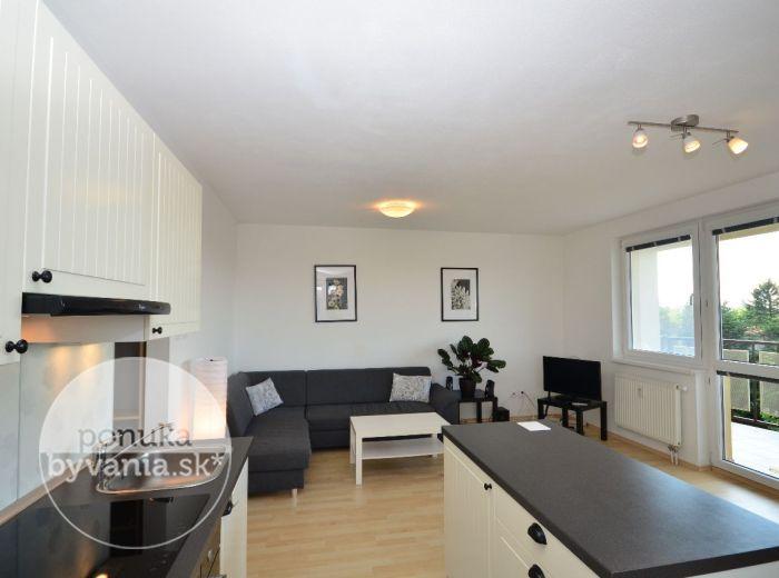 PREDANÉ - HLBINNÁ, 2-i byt, 69 m2 – krásny moderný ZARIADENÝ byt, v NOVOSTAVBE, s veľkou loggiou, obklopený zeleňou, PARKOVACIE MIESTO