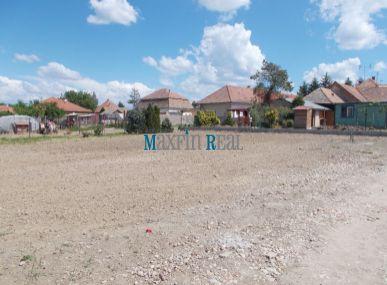 Maxfin Real - ponúka na predaj pozemok v Kráľovej nad Váhom vo veľkosti cca 421m2
