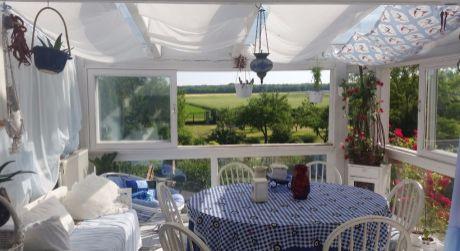 6 - izbový rozprávkový dom s najkrajšou záhradou v Rajke