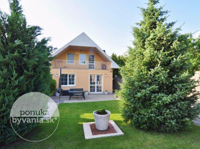 PREDANÉ - IVANKA PRI DUNAJI, 4-i dom, 130 m2 – RD s krásne upravenou záhradou a ZÁHRADNÝM DOMČEKOM, pozemok 678 m2