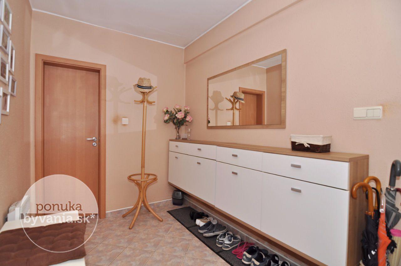 ponukabyvania.sk_Bernolákovská_Rodinný-dom_archív