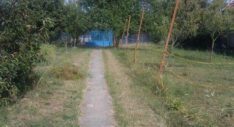 Odporúčame RD Zlaté Moravce, tichá lokalita, široký pozemok 18m