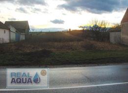 EXKLUZÍVNE LEN V R.K. REAL AQUA  s. r. o. ideálny stavebný pozemok na rodinný dom o šírke 20 m a výmere 1756 m2 len 10 km od Trnavy