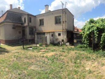 Zachovalý RD s pozemkom v Dežericiach (časť Vlčkovo)