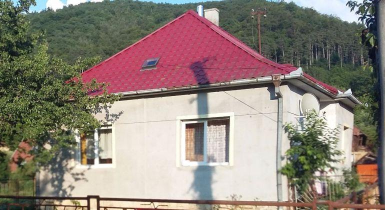 Hrachovište /na predaj rodinný dom/ čiastočná rekonštrukcia