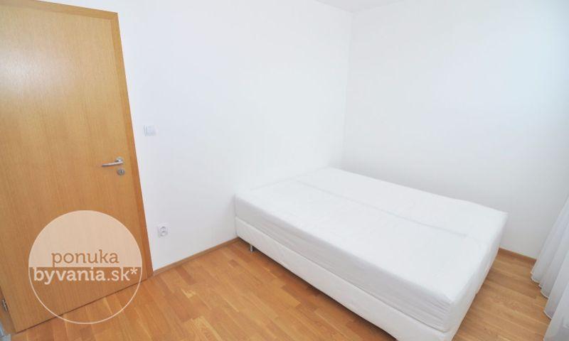 ponukabyvania.sk_Zadunajská cesta_2-izbový-byt_archív