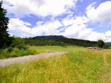 Slnečný pozemok v tichej lokalite obce Liptovská Sielnica
