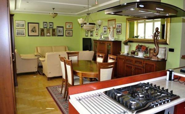 EXKLUZÍVNE ! Predaj 3 izbový byt,  95 m2, A.H.Gavloviča, Prievidza