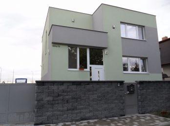Exkluzívne iba u nás nádherný dom v Seredi