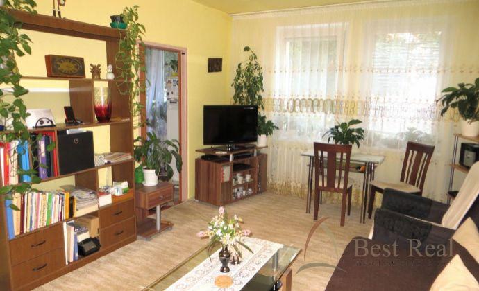 Best Real - bývanie v širšom centre na Račianskej ulici, 1-izbový byt s balkónom.