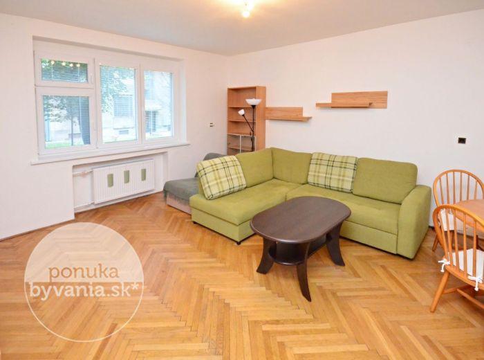 PRENAJATÉ - SÚŤAŽNÁ, 3,5-i byt, 100 m2 – čiastočná rekonštrukcia v lete 2015, LOGGIA s výhľadom na zeleň, bezproblémové parkovanie, VOĽNÝ IHNEĎ