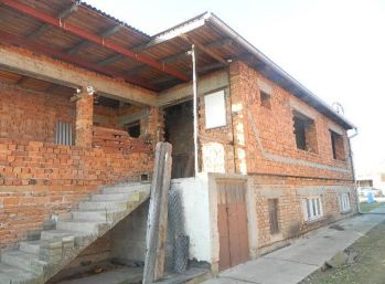 Predáme rozostavaný rodinný dom v Kajali