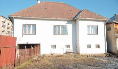 RD, slnečný pozemok (1004 m2), centrum Sp. Nová Ves