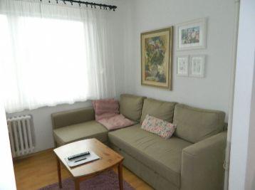 Predáme 3-izbový veľmi pekný byt aj so zariadením