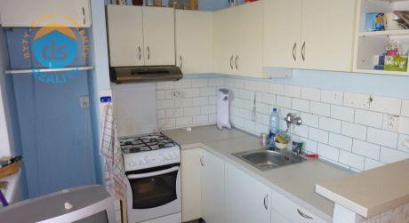 Na predaj tehlový byt 3+1 s 2 lodžiami,  74 m2, Trenčín, ul. Bavlnárska