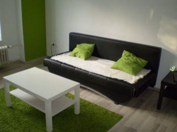 Predáme veľmi pekný 2-izbový byt v Seredi tichá lokalita,super cena.