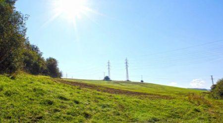 Slnečný pozemok v Dolnom Moštenci 811m2