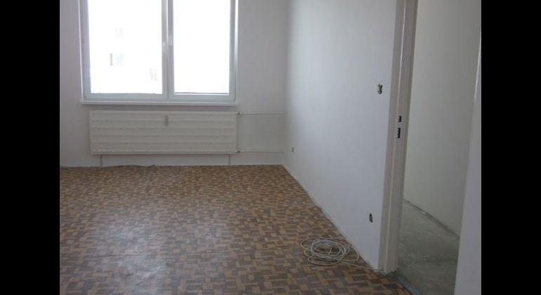 Na predaj 2-izb byt v Holíči
