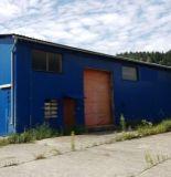 Výrobno-skladový areál s murovanou halou 2493m2