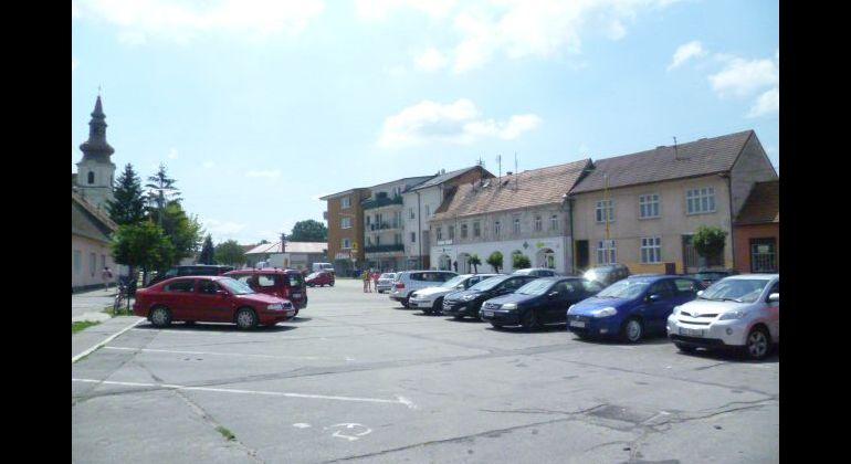 Na predaj veľký polyfunkčný  dom v centre Šaštína.