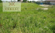 Predaj stavebného pozemku s rozlohou 5070m2 v centre obce Kvetoslavov!!!