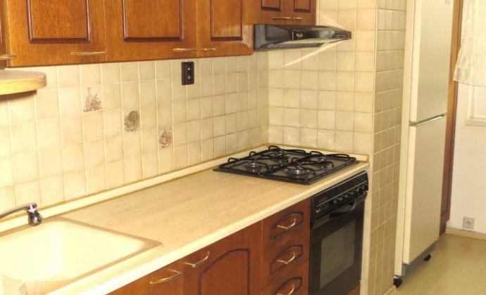 Best Real - bývanie v Petržalke, len kúsok od centra, 3-izbový kompletne zariadený byt na Lachovej ulici.