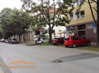 Prenájom kancelárskych - obchodných priestorov pri námestí v Poprade