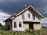 Tŕnie, Budička – rozostavaný dom, pozemok 1200 m2 – predaj