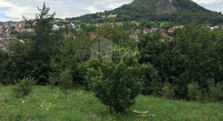 Pozemok s krásnym výhľadom v obci Dolná Súča