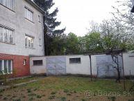 REALFINANC - Kátlovce, RD s dvoma bytovými jednotkami,  6izb., 2x kuchyňa, garáže