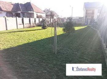 Horné Orešany, stavebný pozemok 600 m2 so všetkými IS na predaj, cena: 40.500,-€