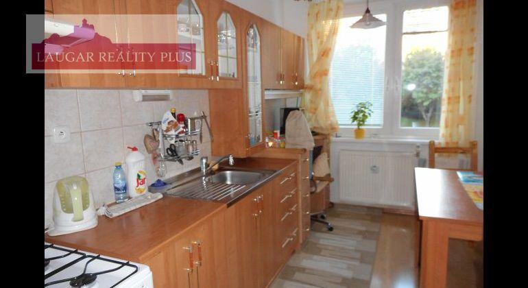 Novomeského, 4-izbový  byt, 80 m2, 72.000 Eur