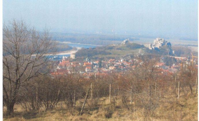 PREDAJ- pozemok v Devíne s krásnym výhľadom na hrad
