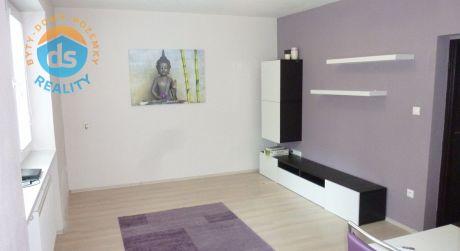 Na predaj pekný 3 izbový byt s lodžiou, 67 m2, Trenčín, ul. Švermova