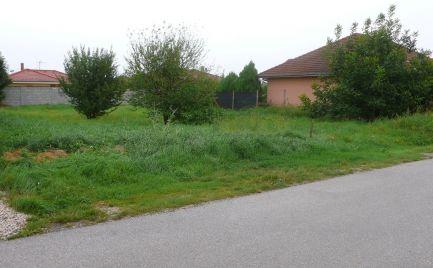 Stavebný pozemok v obci Kráľovičove Kračany, časť Lesné Kračany
